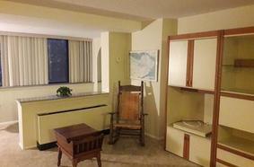 2 Hawthorne  Place 5L