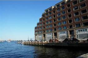 20 Rowes Wharf Th-05